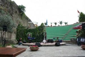 castle-stage